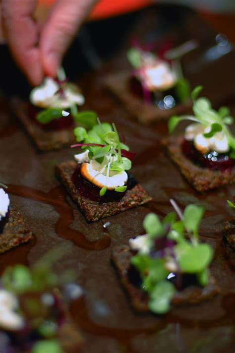 canape toff goat cheese baby beet canapé balsamic glaze and