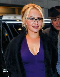HAYDEN PANETTIERE Out in New York 01/04/2017 - HawtCelebs ...