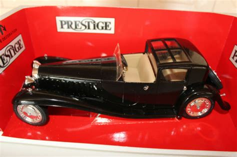 The death of ettore bugatti in 1947 proved to be the end for the marque , and the death of his son jean bugatti in 1939 ensured there was not a successor to lead the factory. 1 21 Solido Nr.8001 Automodell Bugatti Royale Type 41 (1930) schwarz F569 günstig kaufen | eBay
