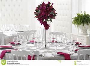 Decoration De Table De Mariage : belle d coration de bouquet de fleur sur la table de ~ Melissatoandfro.com Idées de Décoration