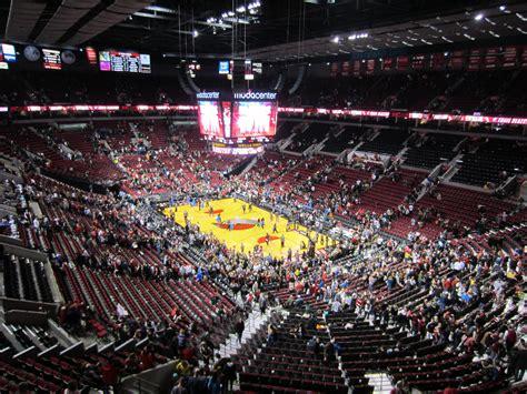 File:Portland Trail Blazers at Moda Center, December 2013 ...