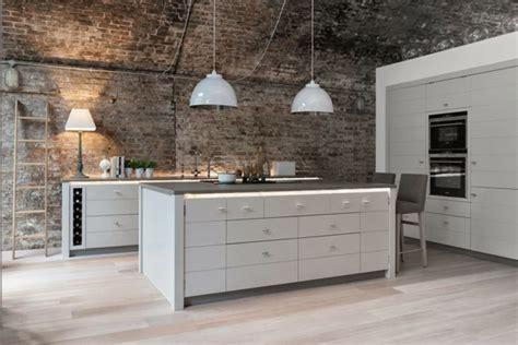 plan de travail cuisine evier integre cuisine blanche et mur de briques brut2deco