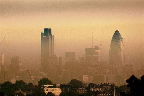 london pollution death toll  hit  london evening