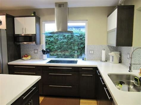 looking for kitchen cabinets 25 best kitchen stove window images on 7178