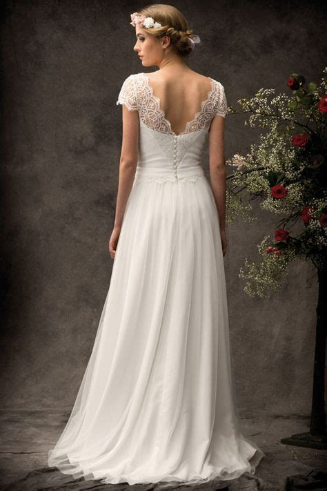 short sleevedcap sleeved wedding gown