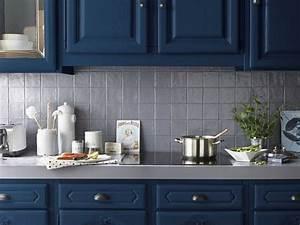 une peinture bleue pour les meubles de la cuisine With deco cuisine pour meuble a vendre