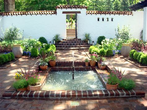small front courtyards small spanish style courtyard