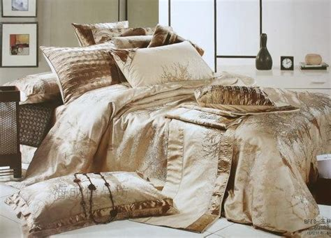 Bed Cover Sets by Here S The Science A Luxury Bed Covers