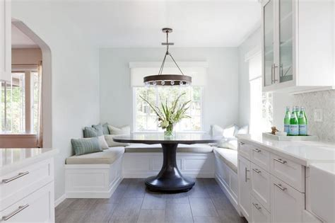 U Shaped Breakfast Nook Banquette With Oversized Round