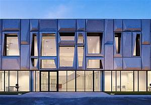 Gorgeous Geometric Facade Crowns Solar Powered Office In