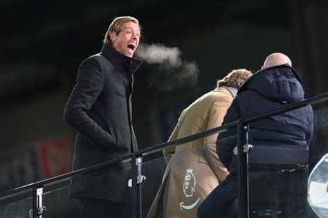 Peter Crouch apologies after Liverpool vs Man United FA ...