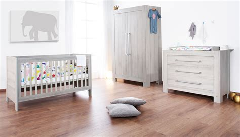 comment décorer la chambre de bébé le monde de léa