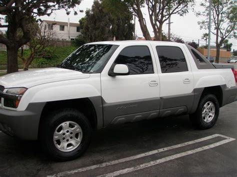 chevrolet avalanche 1500 california 9 sell used 2002 chevrolet avalanche 1500 base crew cab