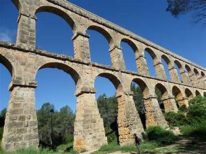 Aqueducts, Amphitheatres and Cava | taste.play.travel