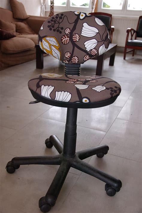 customiser un fauteuil en tissu diy relooker une chaise de bureau unik
