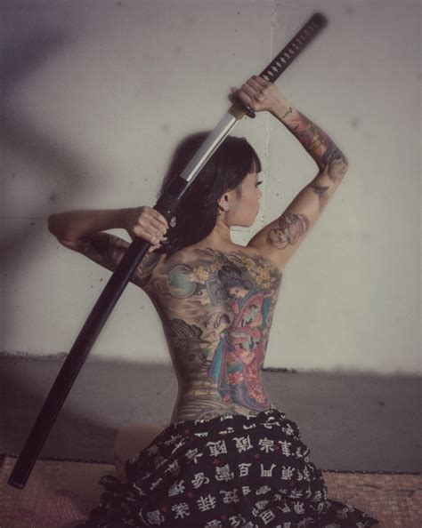 foto de Dark Full body japanese yakuza tattoo for girl Rough