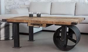 Roue Industrielle Pour Table Basse : table basse industrielle chariot avec roue carbon et plateau en bois brut par barak7 endroits ~ Nature-et-papiers.com Idées de Décoration