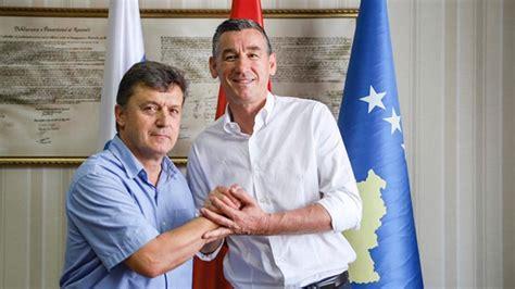 Shqiptar Demaçi prej sot bëhet pjesë e Partisë Demokratike ...