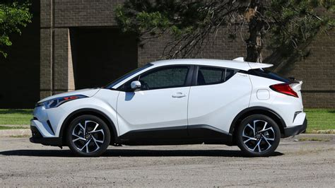 Toyota Chr Hybrid Picture by 2018 Toyota C Hr Review Simply The Averagest