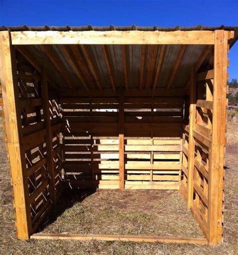 pallet shelter  horses pallet projects pinterest