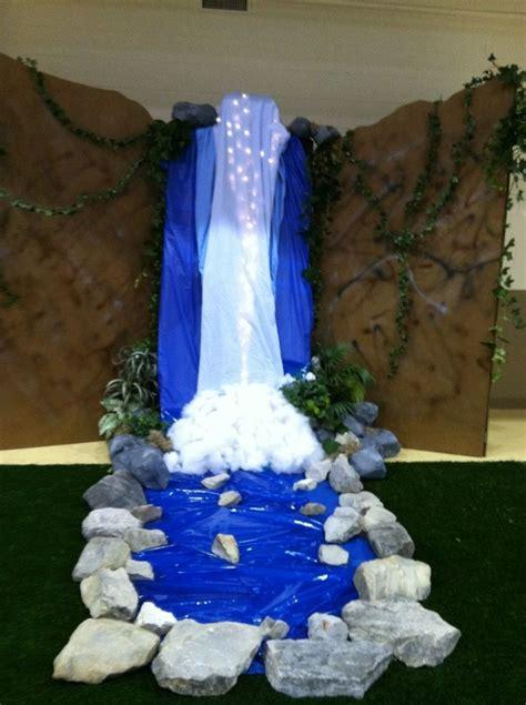 waterfall  vbs   wood backdrop multiple blue
