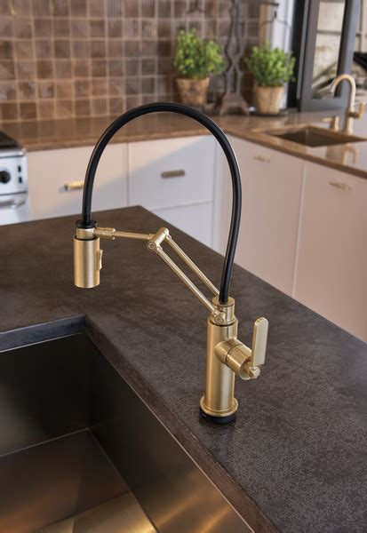 SmartTouch® Articulating Faucet with Industrial Handle