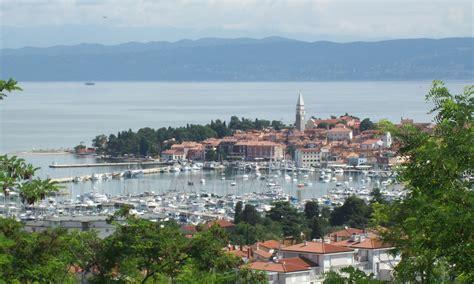 File:Izola, Slovenia.jpg - Wikimedia Commons