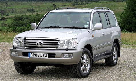 Toyota Land Cruiser by Toyota Land Cruiser Station Wagon Review 2002