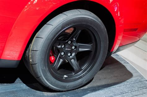 dodge challenger srt demons drag radials