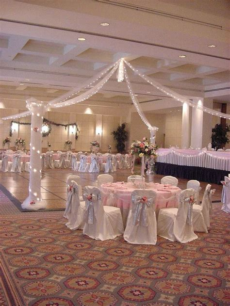 Salon Decorating Ideas For Quinceaneras by 25 Best Ideas About Quinceanera Decorations On