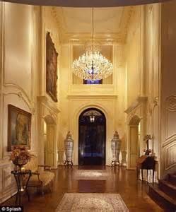 maison de michael jackson michael jackson silences rumours of money trouble by renting a 100 000 a month mansion daily