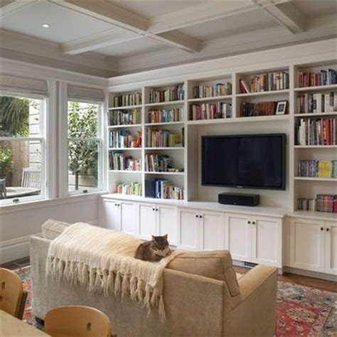 Tv In Bookcase by 25 Best Ideas About Tv Bookcase On Vintage