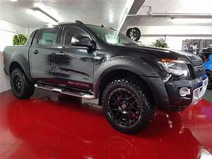 Ford 4x4 Ranger : some of you blue oval boys may fancy this ford ranger wildtrak 4x4 dcb 3 2 tdci stunning black ~ Medecine-chirurgie-esthetiques.com Avis de Voitures