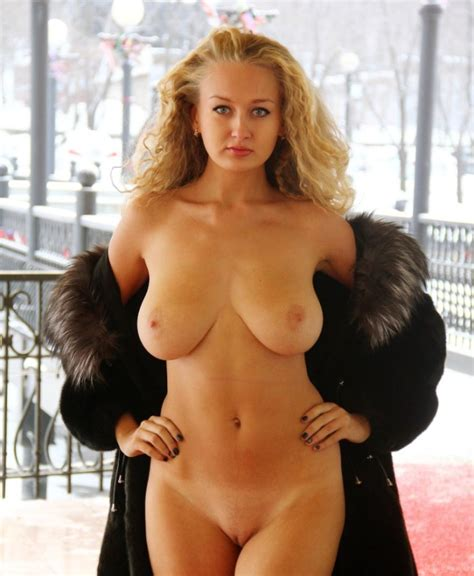 Hot Busty Blonde Walks Naked In Front Of Cafe Russian