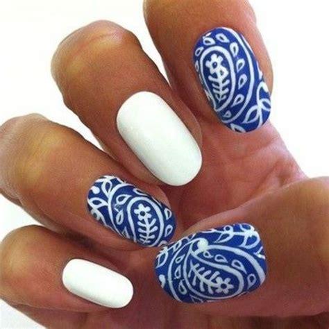 faux ongles couleur ongles gris bleu