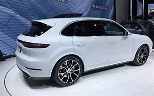Nouveau Porsche Cayenne 2018 : 550 chevaux voici le nouveau porsche cayenne turbo 2019 2 12 ~ Medecine-chirurgie-esthetiques.com Avis de Voitures