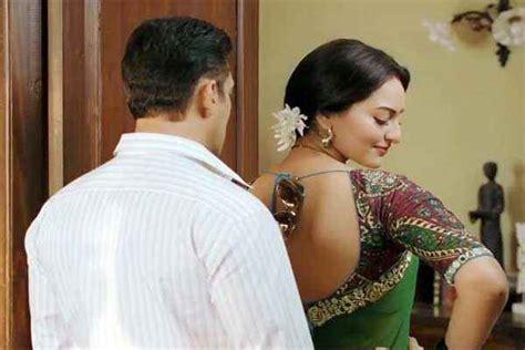 Dabangg 2 Salman Sonakshi Sinha In Hot Scene Stills 2339