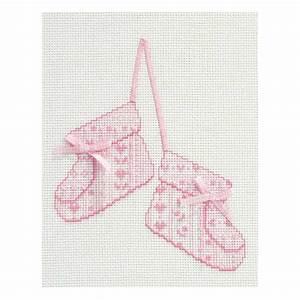 Point de croix dmc a broder chaussons de bebe kit broderie for Affiche chambre bébé avec kit broderie fleurs