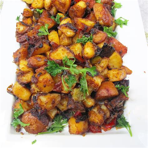 easy skillet breakfast potatoes evs eats