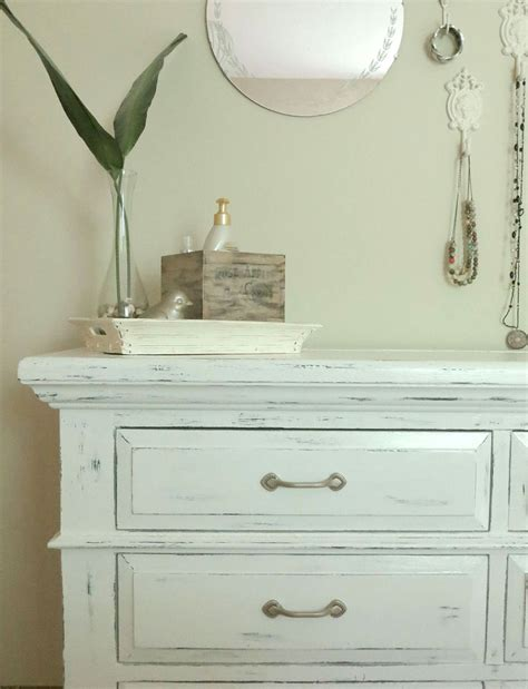 Painting Bedroom White adding unique texture to furniture diy chalk paint