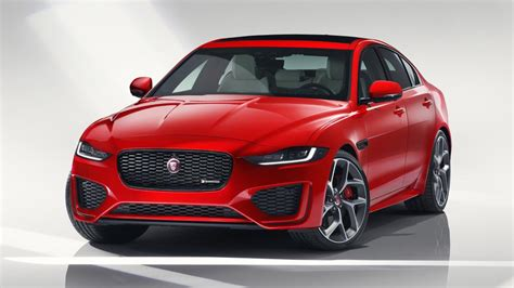 jaguars  xe borrows   paces interior top gear