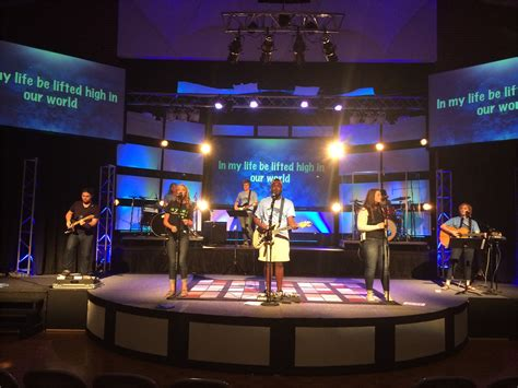 simple stacked rectangles church stage design ideas