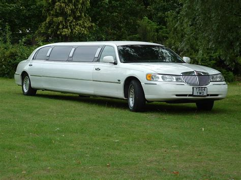 A Limousine by Limousine Car Free Wallpapers