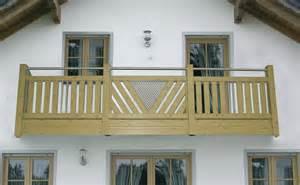balkone gestalten bauen balkon balkongeländer balkonverkleidung holzfachmarkt holz dostler bayreuth
