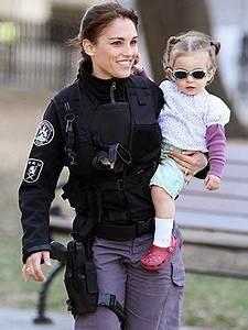 Spotted: Amy Jo Johnson's Shady Lady – Moms & Babies ...
