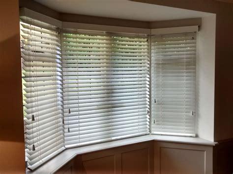 wood venetian blinds   bay window supplied