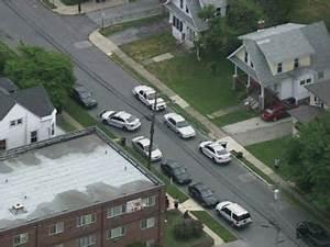 Officer Shot Multiple Times Near Philadelphia - YouTube