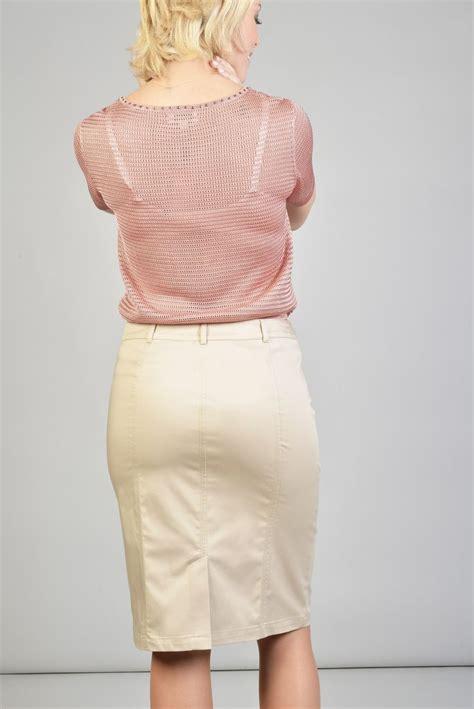 sous les jupes au bureau les 25 meilleures idées de la catégorie jupe beige sur