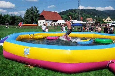 entretien eau piscine gonflable structures de jeux gonflables chateau et bateau int 233 rieur et ext 233 rieur