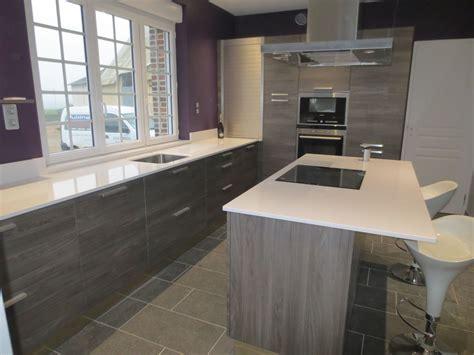 cuisine grise plan de travail blanc cuisine grise avec plan de travail noir salle